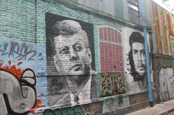 JFK vs. Che