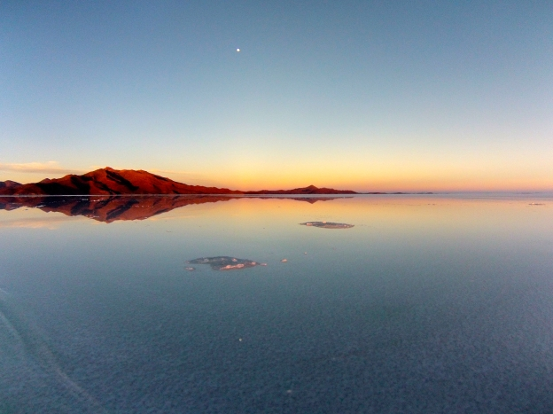 Sunrise at the salar.