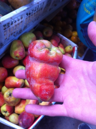 Weird apple, Peru