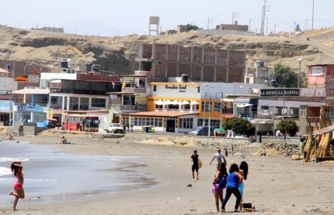 Huanchacho beach, Peru