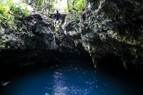 Jumping into The Pit, Dos Ojos, Mexico